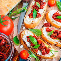 Что приготовить с вялеными помидорами