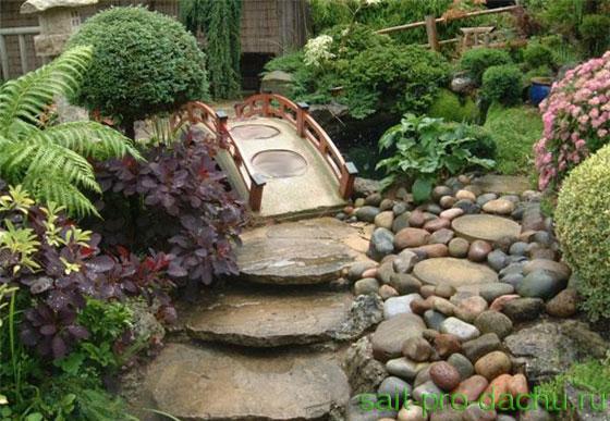 Сад камней единственными элементами