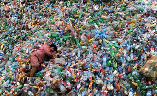 Теплица из пластиковых бутылок тепло