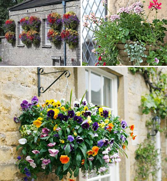 Подвесная корзина для ампельных растений в декоре сада