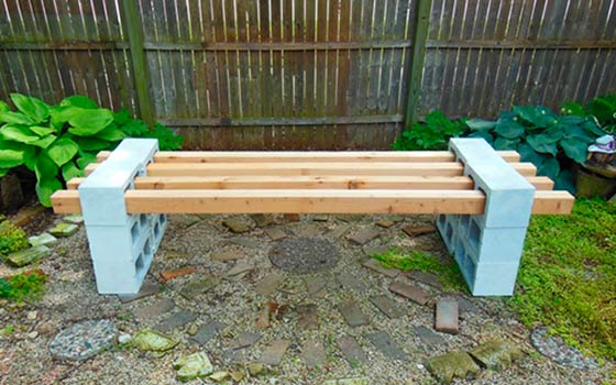Скамейки для дачи своими руками из подручного материала