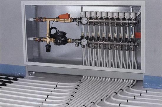 Смесительный узел с коллектором в системе гидравлического теплого пола