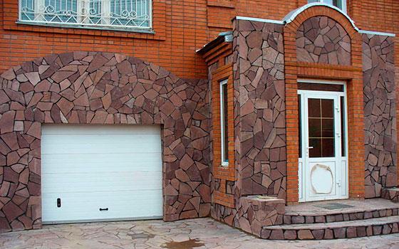 Как отделать дверной проем декоративным камнем