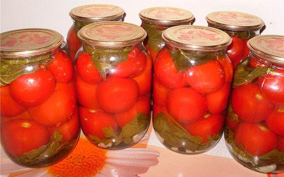 Как солить помидоры на зиму в банках простой рецепт с фото пошагово
