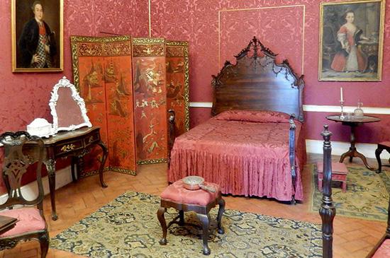 Китайская ширма в интерьере дворца Калуш в Лиссабоне