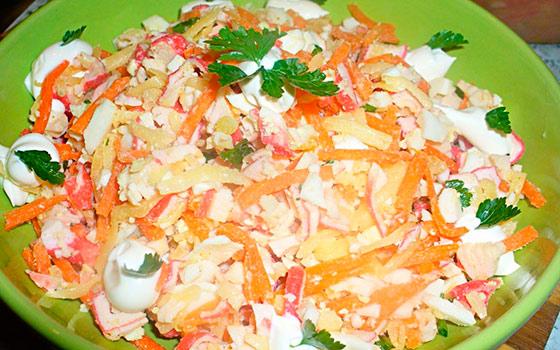 салат восточный с корейской морковью фото