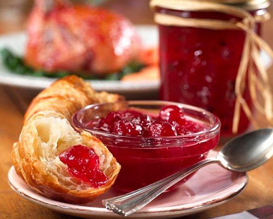 Варенье пятиминутка из вишни с косточками